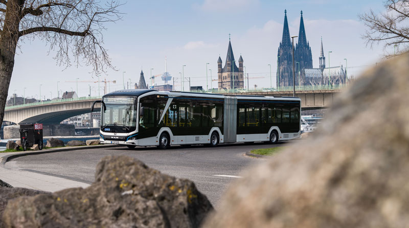 First electric articulated bus from MAN goes into operation in Cologne